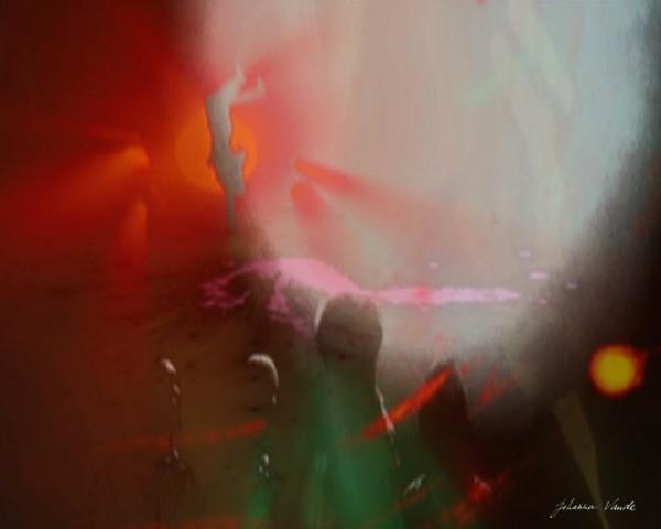 ufo-dreams-johanna-vaude-blow-up-arte-mashup-experimental-film_08
