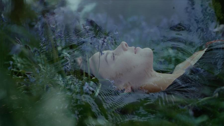 Un peu de romantisme par Johanna Vaude blow up arte